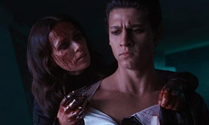 血塗れのヴァルヴァラとキアヌ