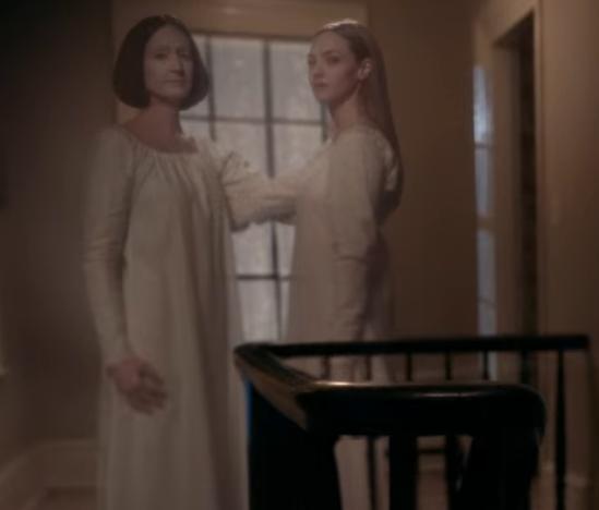 Netflix『闇はささやく』のシャイニングの双子オマージュシーン