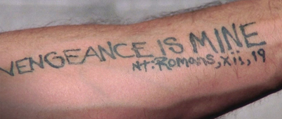 『ケープ・フィアー』の腕のタトゥーVENGEANCE IS MINE