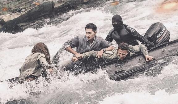 映画『プロジェクトV/ヴァンガード』水上バイクのシーン