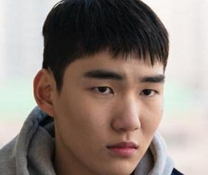ユン・ヘガンを演じるタン・ジュンサン