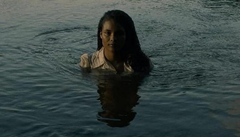 水の中から出てきたアグネス