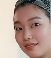 ユン・ソルを演じる女優のイ・ホジョン