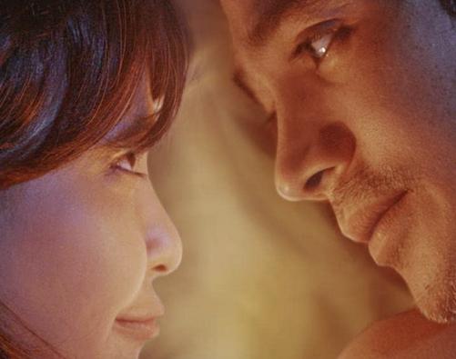 映画『僕のアマンダ』の主人公とヒロイン