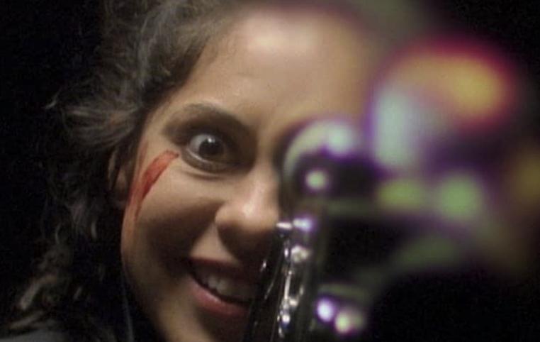 撮影中に狂気に染まった主人公リサ
