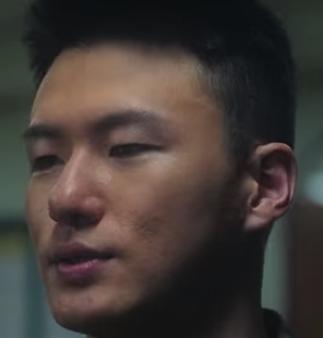 ファン・ジャンスを演じる俳優シン・スンホ