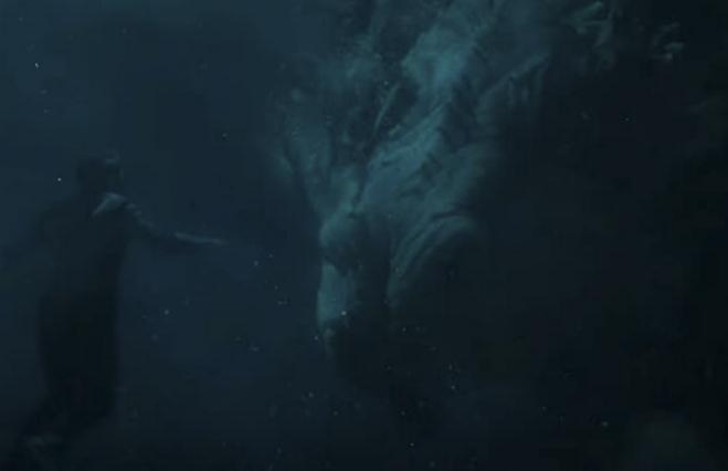 湖底でドラゴンと出会うシャン・チー
