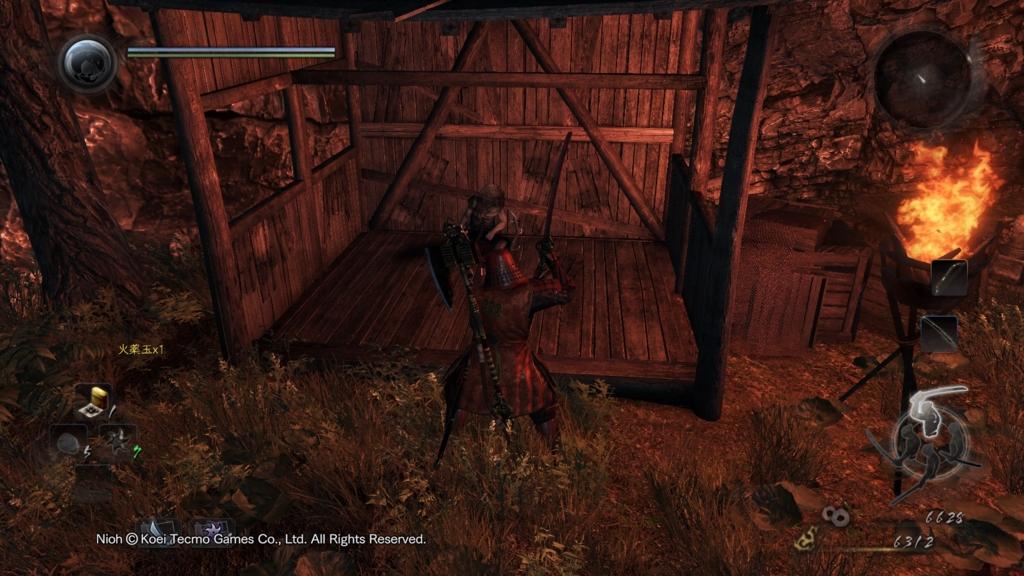弓と矢がおいてある小屋