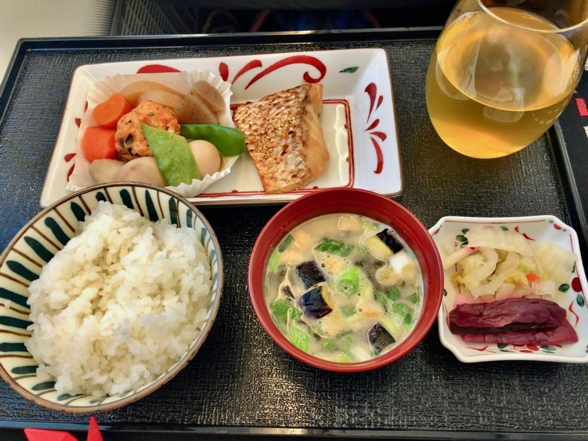 機内食その3 ご飯