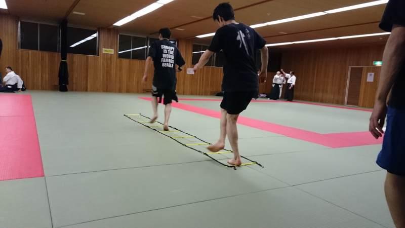 札幌総合格闘技MMAラダートレーニング