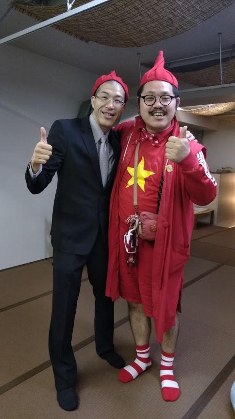 ホームレス小谷さんと針灸師土田。鍼灸院くらさろにて