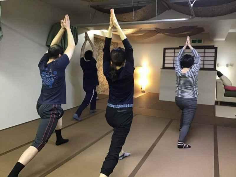 姿勢改善レッスン「骨盤力」札幌市豊平区中の島鍼灸院くらさろにて