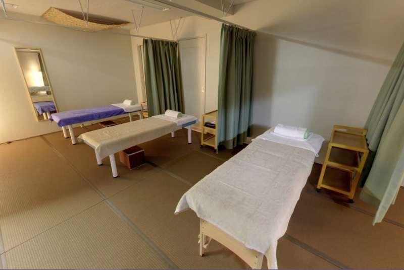 札幌市豊平区中の島鍼灸整体院くらさろ治療院内装