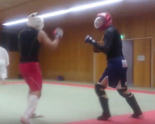 赤い面をつけているのが土田、白い面は現在プロで活躍している西川大和選手