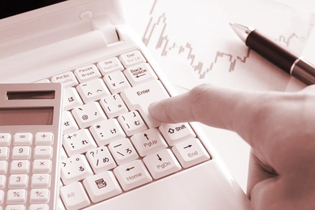 ビットコイン、ブロックチェーン関連株の本命は?|ビットコインを贈り合うCloudTip