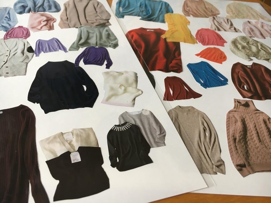 セーターをパーソナルカラーで分けてみた