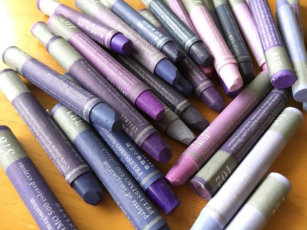 紫色のクレパスたち
