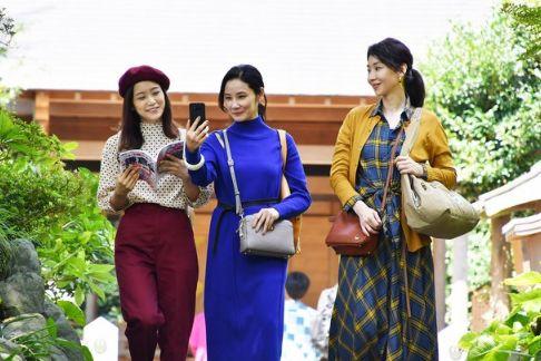 女性3人旅
