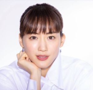 望月彩子役:綾瀬はるか