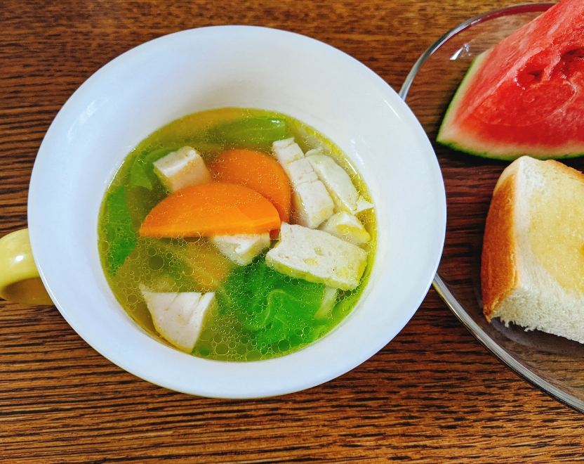 野菜のスープとトースト