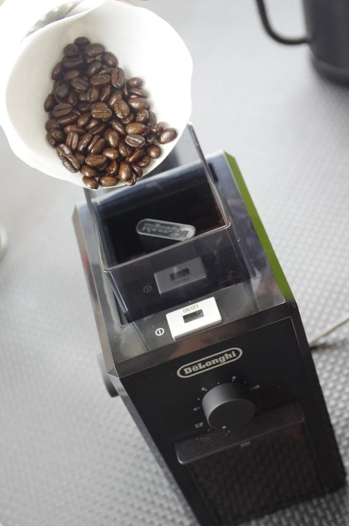 デロンギコーヒーグラインダーKG79J