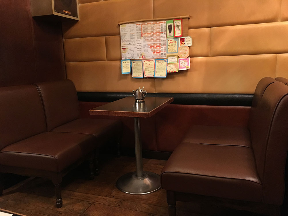 珈琲舎ロッセ:ボックス席 の画像