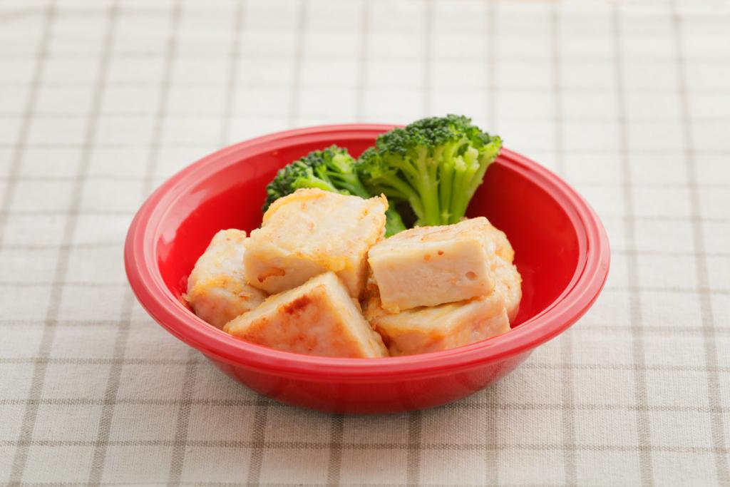 サラダチキンで簡単!やわらか鶏肉のピカタ