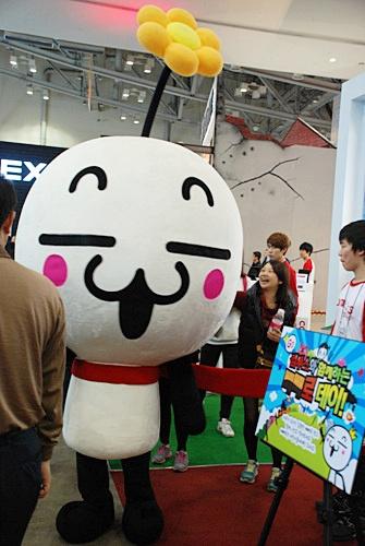 f:id:com2usjapan:20111111105848j:image