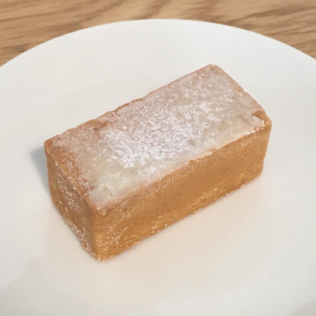 SunnyHillsのりんごケーキの中身の写真