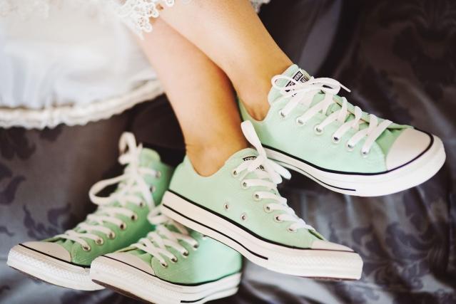 baskets vertes pour mariée et marié