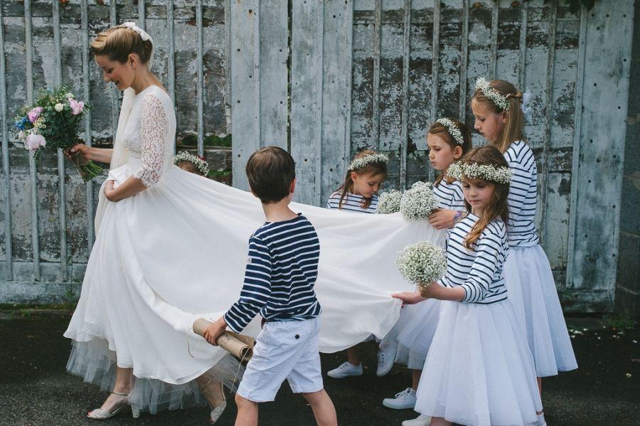 mariée et enfants de mariage