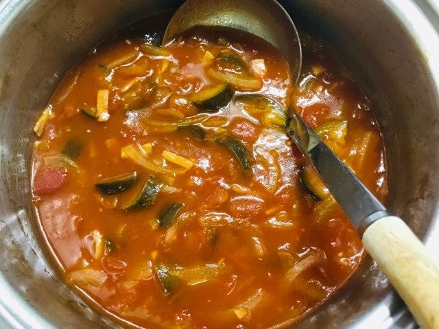 出来上がった茄子のトマトスープ