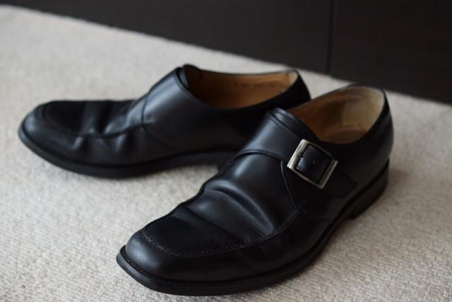 男性用の革靴