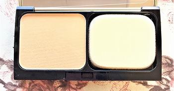 トゥヴェールのミネラルパウダリーファンデーション ライトオークルの色