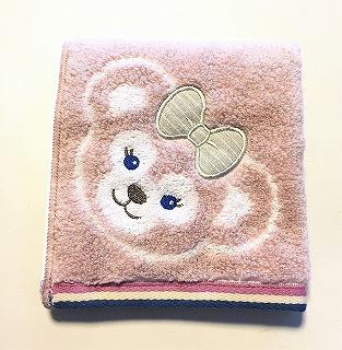 シェリーメイのハンドタオルを四つ折りにしたところ