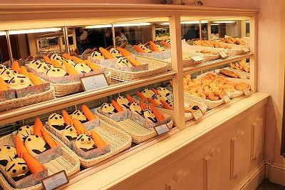 ディズニーランドのスウィートハート・カフェのパン