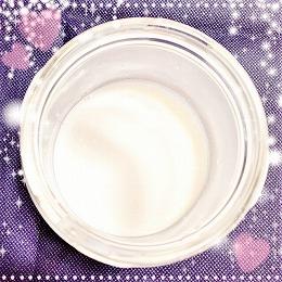 レイヴィー クリームバス ゴートミルクの白い液体