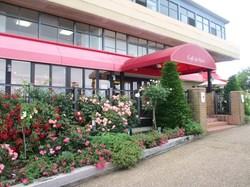 ガーデンミュージアム比叡のカフェ「カフェ・ド・パリ」