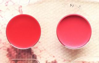 キスミー フェルム プルーフブライトルージュ 18と22の色のサンプル