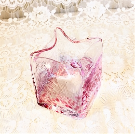 黒壁ガラス館のお土産 小さなガラスの花びん(花器)