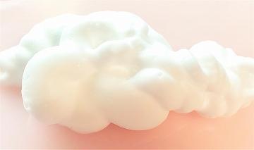 石澤研究所 炭酸泡洗顔料 「透明白肌 ホワイトウォッシュ」の泡