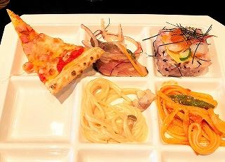 グランヴィア京都 ル・タンのランチバイキング料理 ピザ、スパゲティ