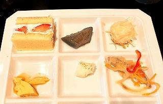 ホテルグランヴィア京都 ランチバイキング料理 焼売、いちごショート