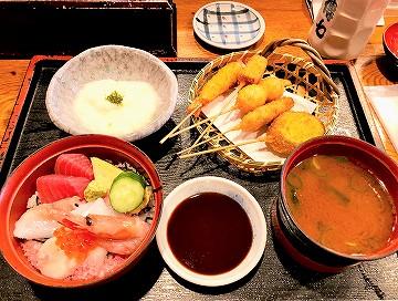 傳七すしのランチメニュー「ミニ海鮮丼 串かつ定食」