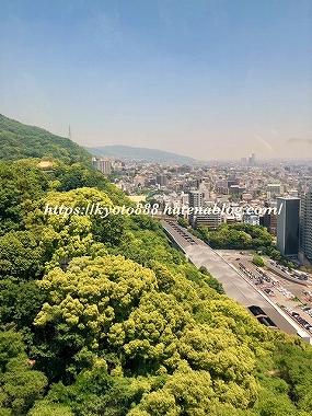 神戸布引ハーブ園のロープウェイから見える神戸の街