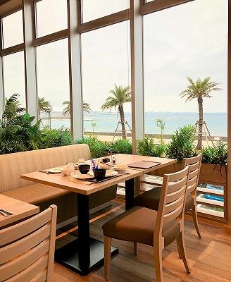 ダブルツリーbyヒルトン沖縄北谷リゾートのレストラン「マティーラ」