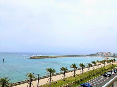 ダブルツリーbyヒルトン沖縄北谷リゾートの部屋から見える海