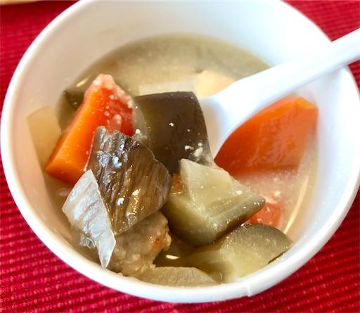 京風味噌スープに入っている野菜の具