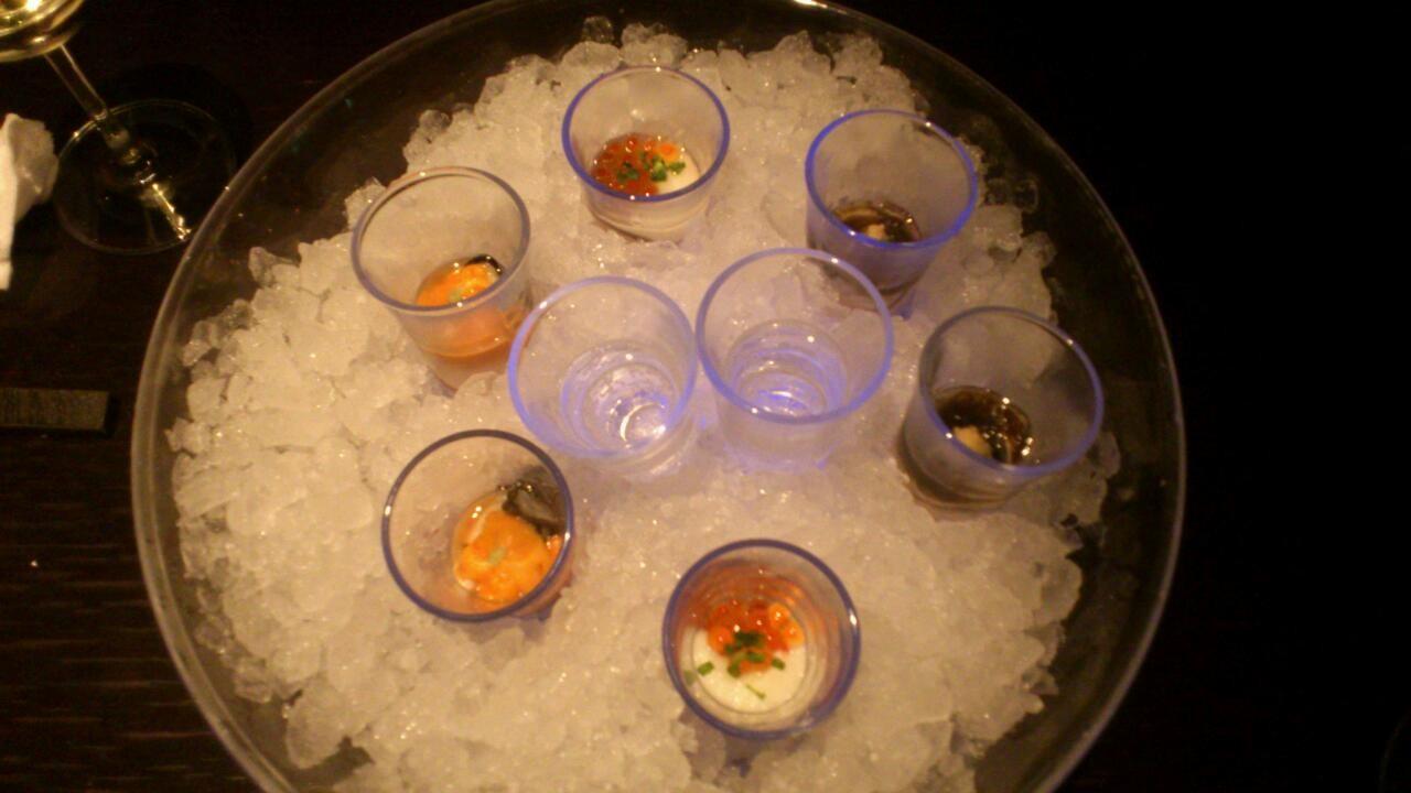 オイスターシューター、うぃず日本酒!! うにイクラ、もずく、あと