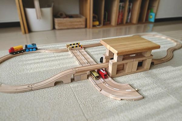 積み木で橋げたと駅作り